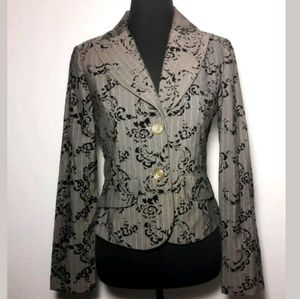 🦋 Women's Paisely Print Blazer Size 6 by Snap